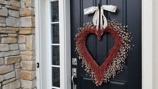 Valentine's Day Kissing Wreath
