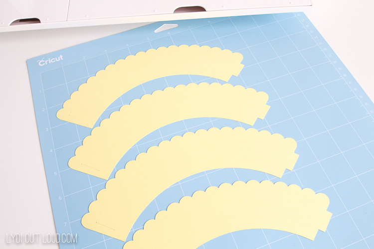 Scalloped Cupcake Wrappers for baby shower