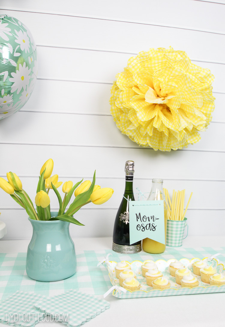 Gender neutral baby shower decor ideas