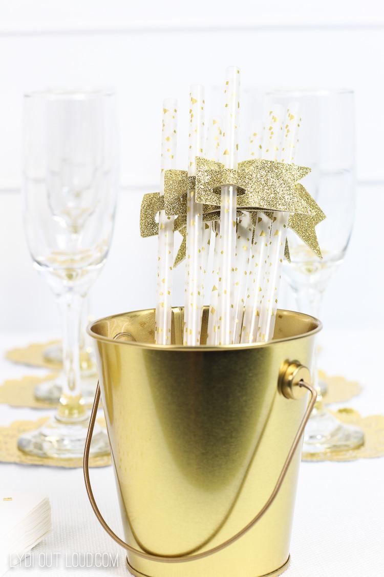 Beautiful gold glitter straws