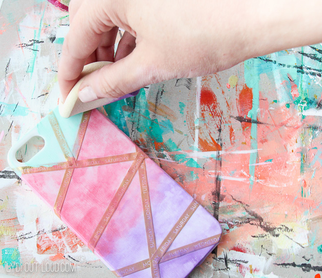 Paint an abstract cell phone case in just minutes!