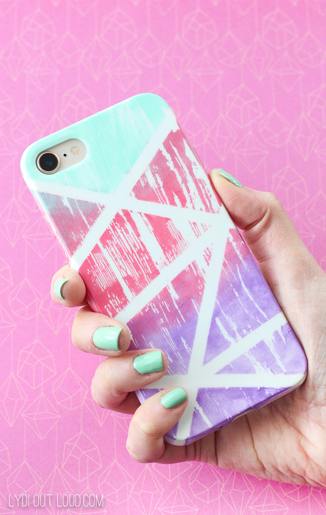 DIY Gradient Painted Cell Phone Case