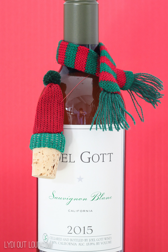 Christmas DIY Wine Stopper Gift Idea