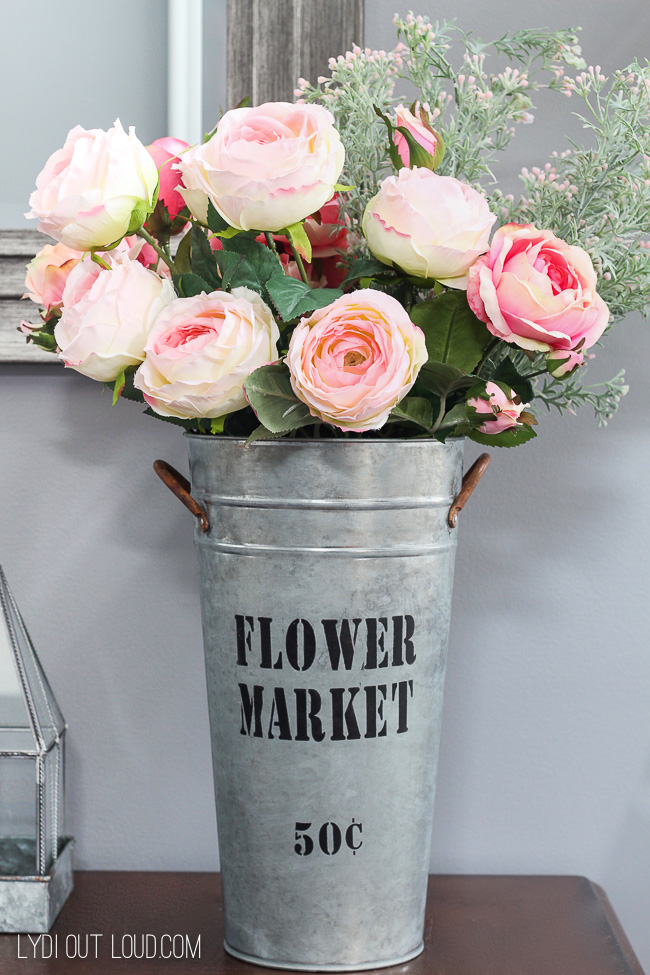 Beautiful DIY Galvanized Finish Flower Market Bucket via @lydioutloud