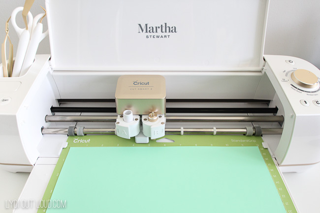 Cutting iron-on with Cricut Explore Air 2