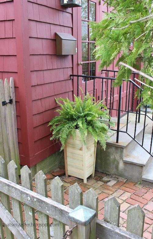DIY Picket Fence Planter