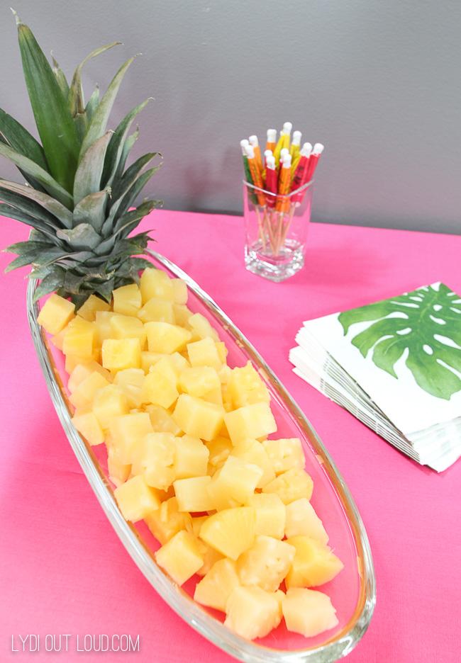 Pineapple party decor