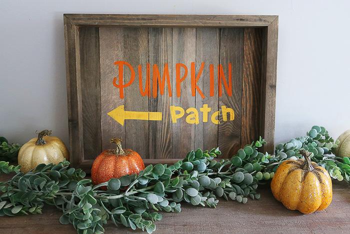 DIY Stenciled Pumpkin Patch sign - Weekend Craft