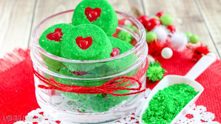 DIY Grinch Christmas Bath Bomb gift idea