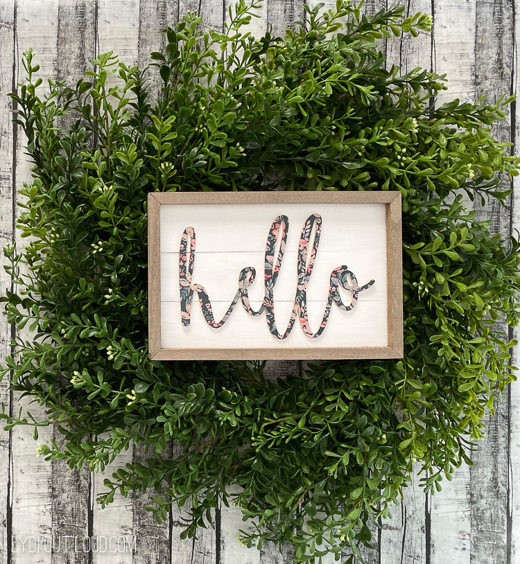 DIY Hello Sign Wreath