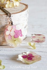 Resin Jewelry with Flowers