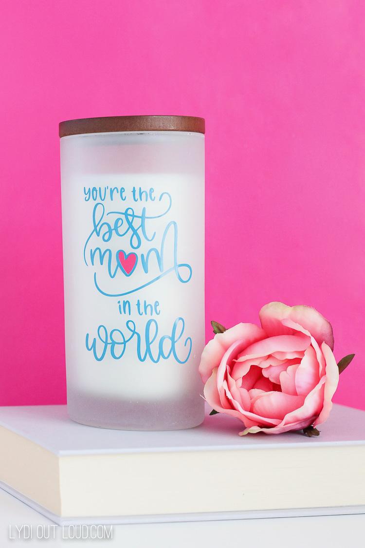 DIY vinyl candle Mother's Day Cricut craft