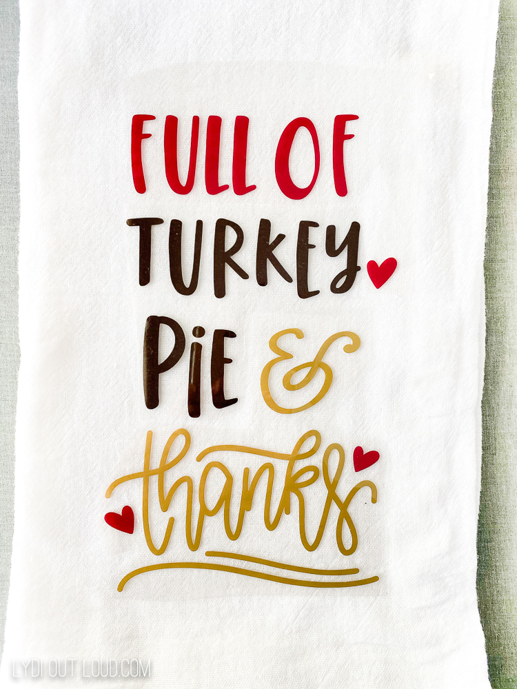 Iron-on Thanksgiving tea towel with a Cricut