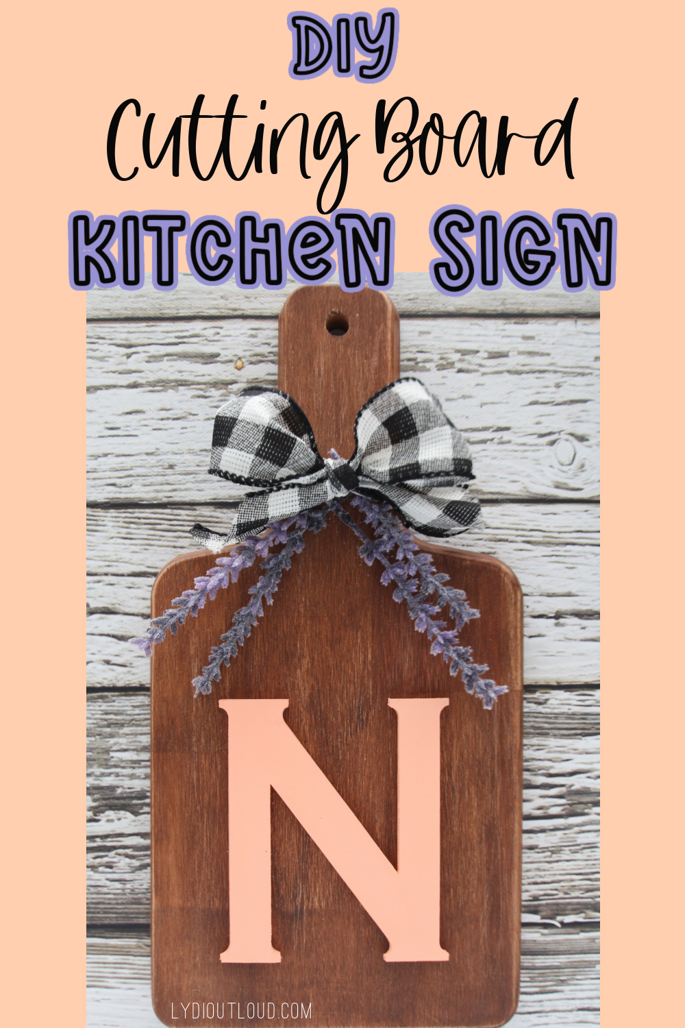 Farmhouse-style Monogram cutting board kitchen sign via @lydioutloud